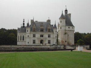 chateau de chenonceau vu du jardin