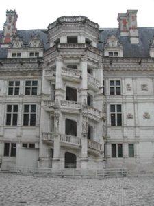 Escalier renaissance du château de Blois baâti sous le règne de François 1er